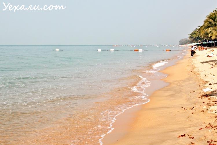 Температура в Паттайе зимой. Пустой пляж