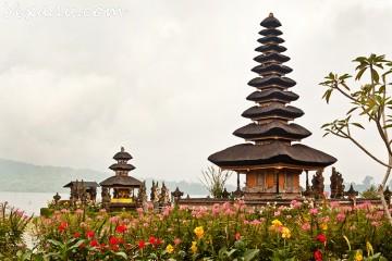 Бали, озеро Братан, храм Пура Улун Дану (Bali, Bratan Lake, Pura Ulun Danu Temple)