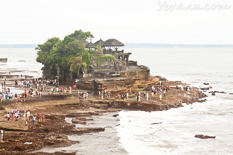 Достопримечательности Бали: храм Танах Лот