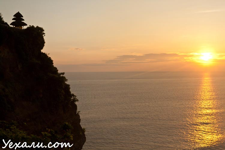 Лучшие фото заката: Бали, храм УЛувату