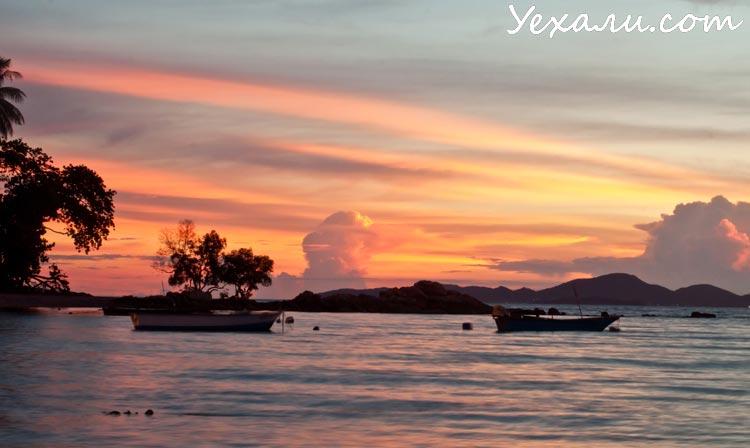 Пляж Вонгамат в Паттайе, фото заката.