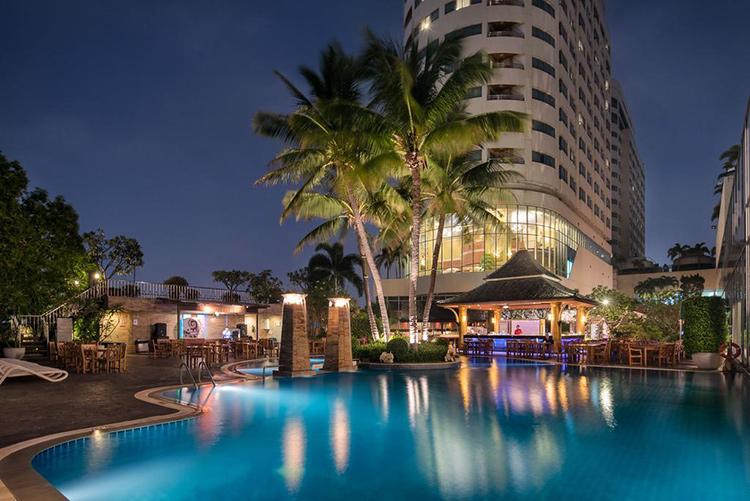 Лучшие отели Бангкока, Таиланд. На фото: Prince Palace Hotel.