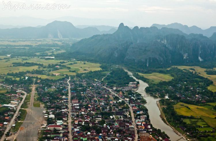 Ванг Вьенг, полет на воздушном шаре