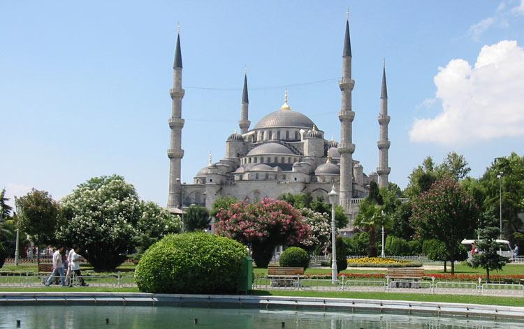 Куда поехать отдохнуть за границу недорого в 2015 году: Стамбул