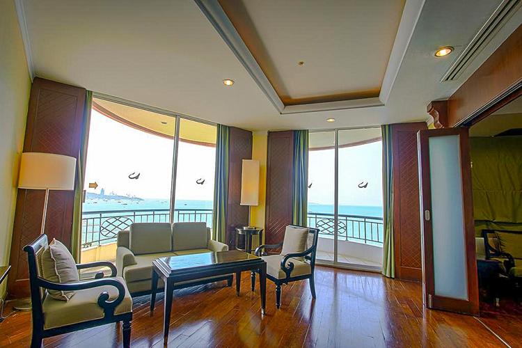 Лучшие отели на севере Паттайи: Long Beach Garden.