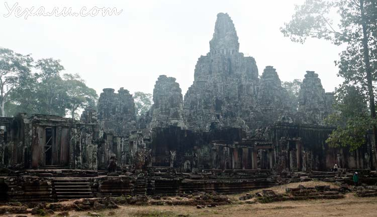 Камбоджа, храмы Ангкора, на фото - Байон