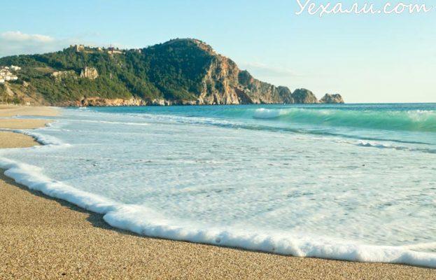 Как поехать в Турцию самостоятельно: пляж Клеопатры в Алании