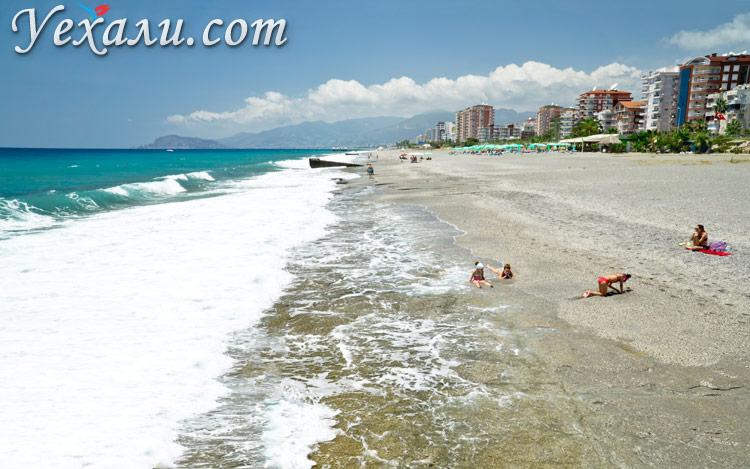 Где и как живут русские в Турции: пляжи Махмутлара.