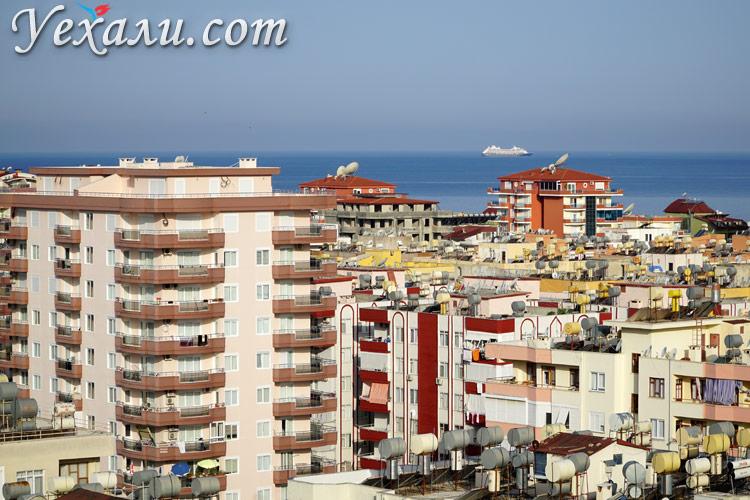 Фото Махмутлара: панорама города и Средиземное море.