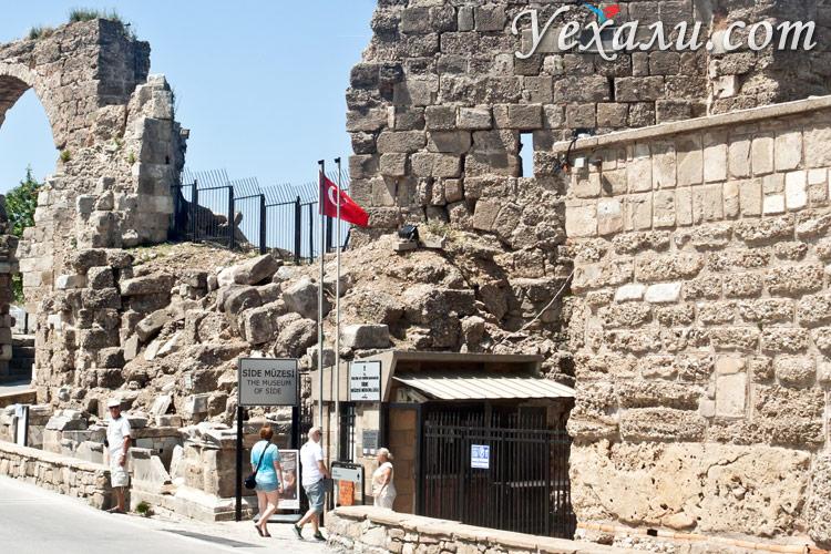 Достопримечательности Сиде, Турция: музей античного искусства.
