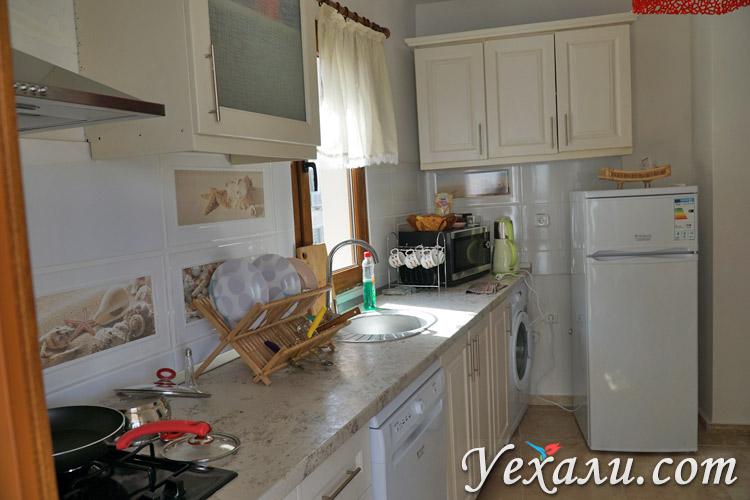 Кухня в отеле в Каше
