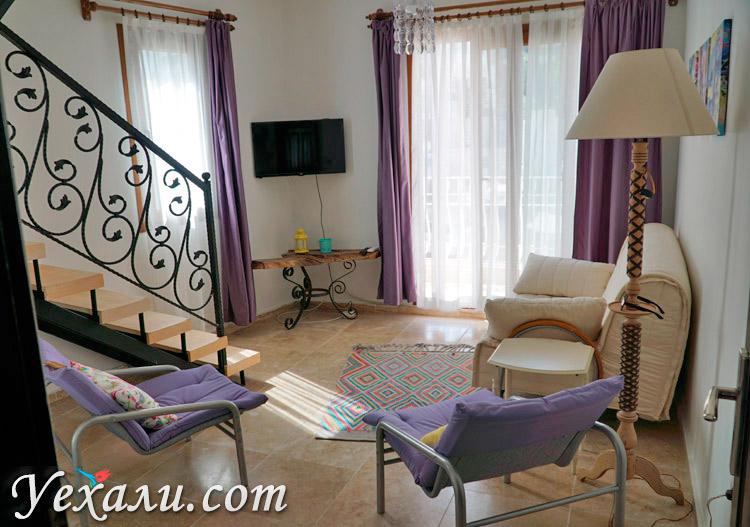 Гостиная в отеле в Каше