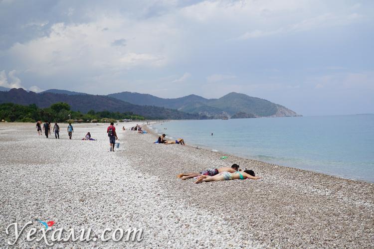 Пляж в Чиралы