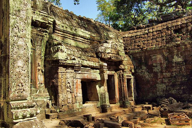 Храм Та Прохм в Камбодже.