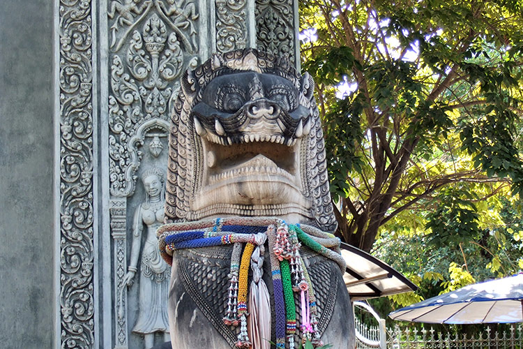 Экскурсия из Паттайи в Камбоджу: вход в страну кхмеров.