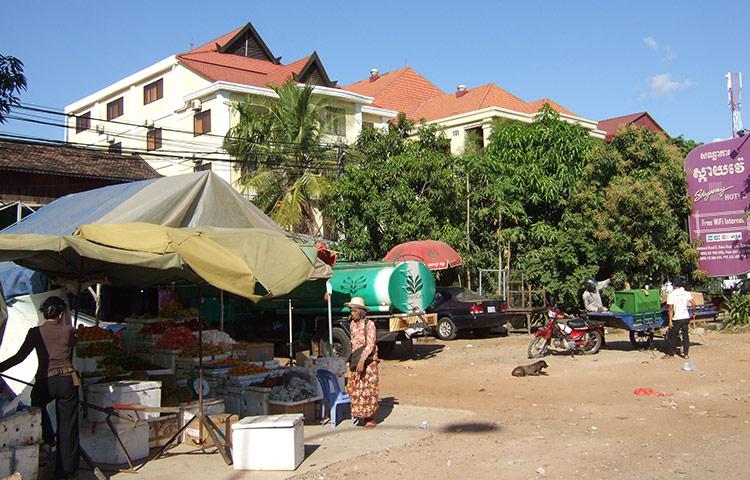 Двухдневная экскурсия из Таиланда в Камбоджу: рынок.