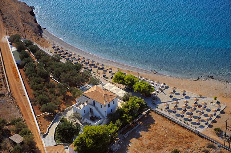 Пляж у отеля Four Season