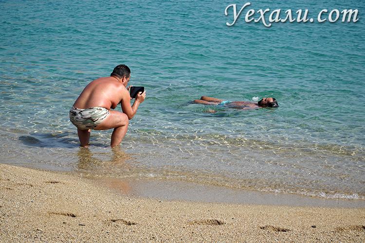 Гей-пляж Супер Парадайз на острове Миконос, Греция