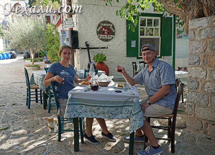 Кафе и вино на острове Идра