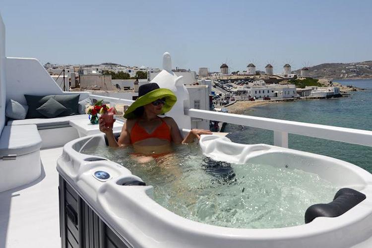 Лучшие отели острова Миконос (Греция): Little Venice Suites.