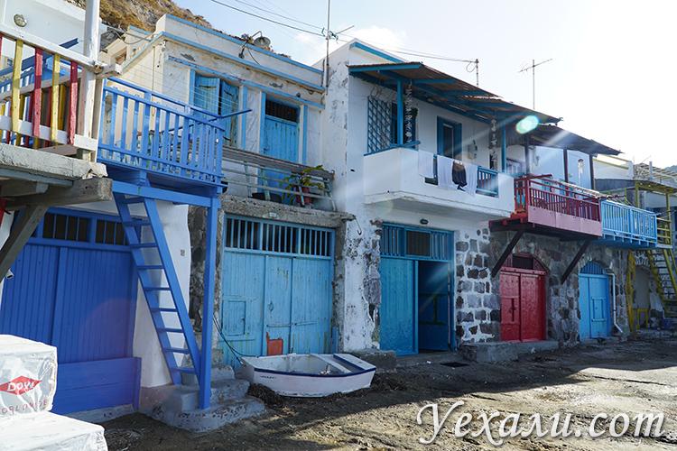 Отели и домики в деревне Клима на острове Милос