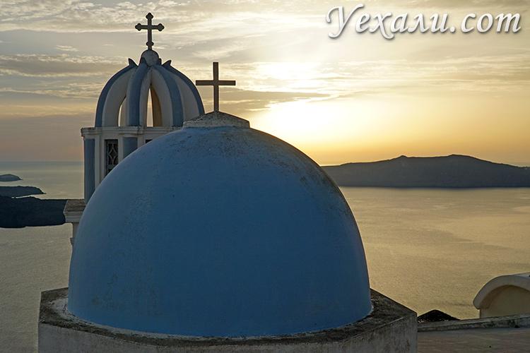 Лучшие фото острова Санторини в Греции: закат в Фире.