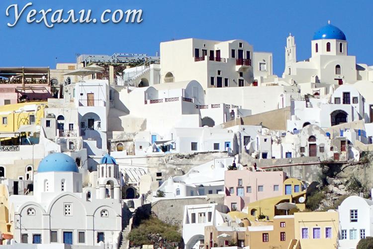 Лучшие фото Ойи на Санторини (Греция): вид на Ию с моря.