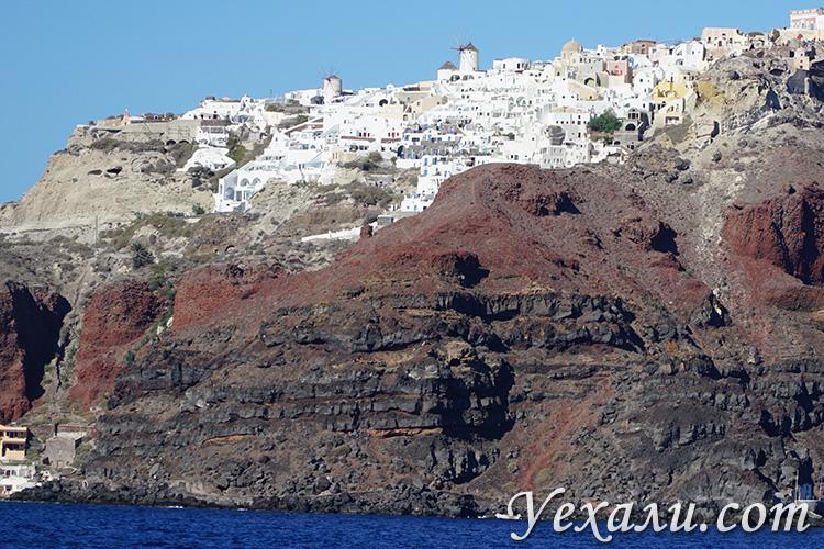 Лучшие фото Санторини (Греция): вид на Ойю с моря.