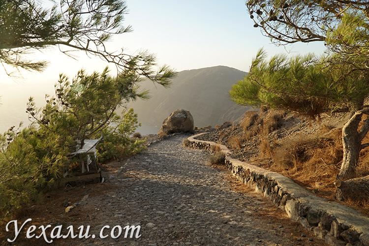 Пешая прогулка по острову Санторини