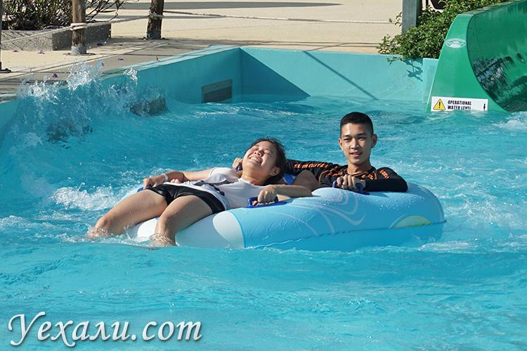 Аквапарк Ramayana Water Park в Паттайе, Таиланд.