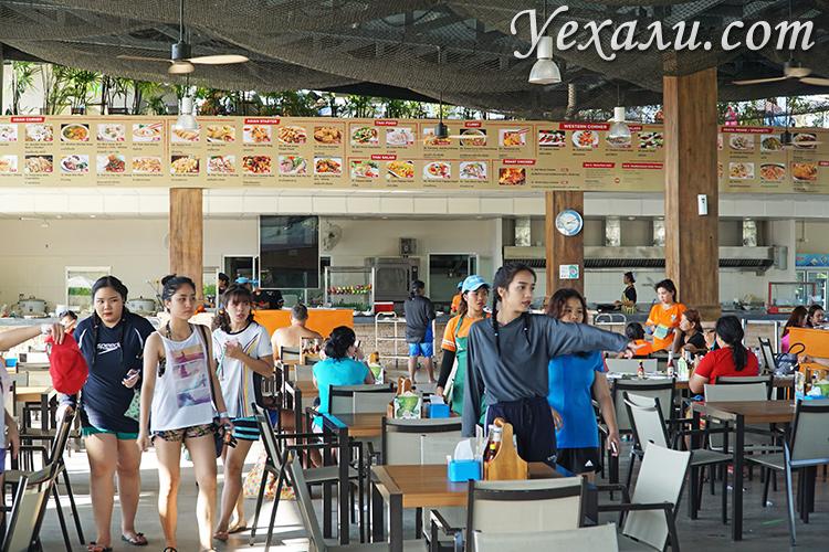 Аквапарк Рамаяна в Паттайе, Таиланд. На фото - ресторан аквапарка.