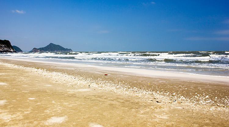 Достопримечательности и пляжи Хуа Хина, Тайланд. На фото: пляж Лаем Сала.