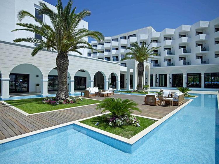 Отели Фалираки все включено (Родос, Греция). На фото: Mitsis Faliraki Beach.