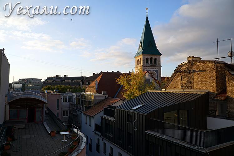 Балкон в хостеле в Братиславе