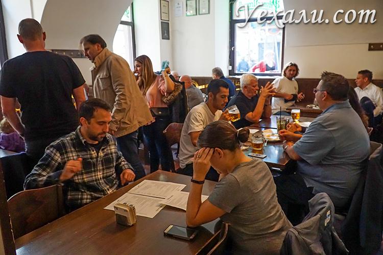 """Лучшие пивные рестораны в Праге, на фото: Локал """"У Белой Кегли""""."""