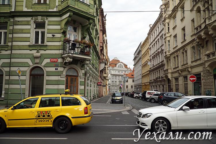 Фотографии обычных улиц Праги