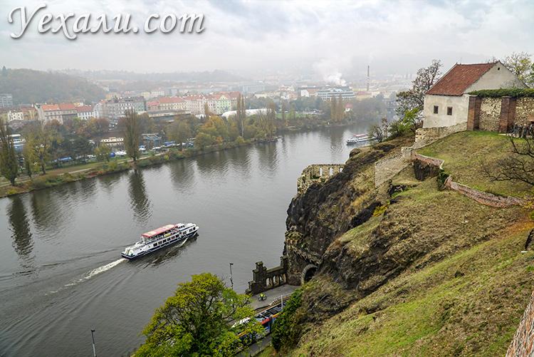 Панорамное фото Праги, вид из крепости Вышеград.