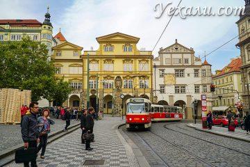 Общественный транспорт в Праге. на фото - знаменитый пражский трамвай.