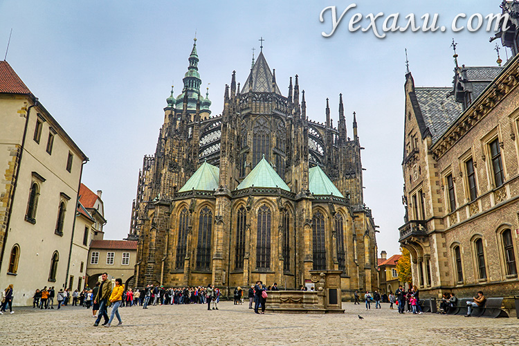 Основные достопримечательности Праги (Чехия). На фото: собор святого Вита.