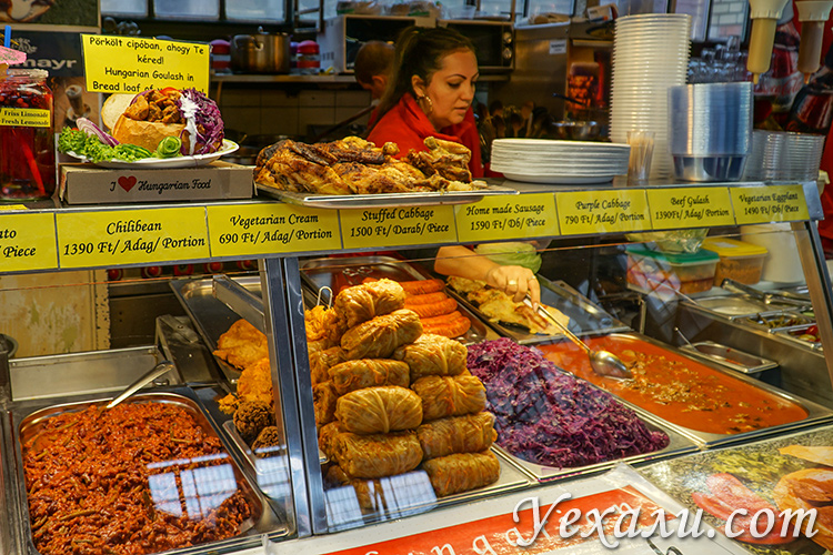 Наши отзывы про Будапешт (Венгрия). На фото: еда на Центральном рынке Будапешта.