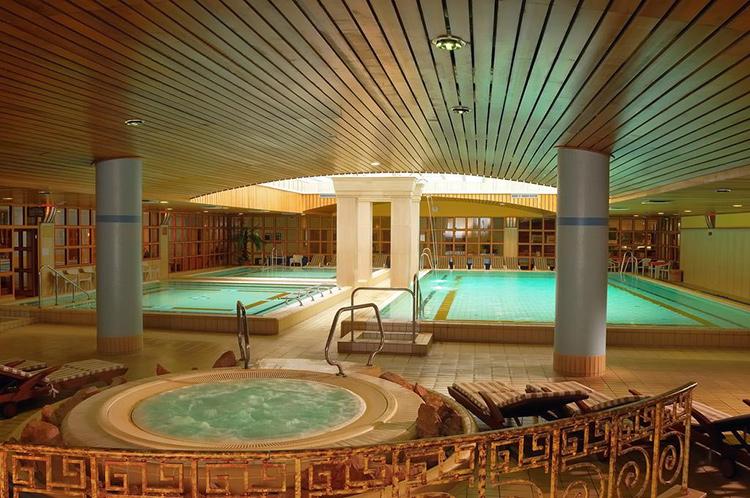 Отели Будапешта с термальными бассейнами: The Aquincum Hotel Budapest.