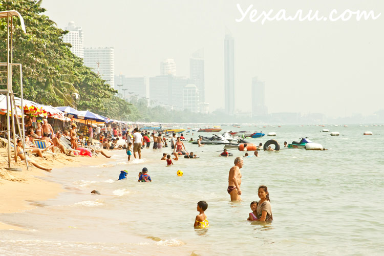 Тайская жизнь. Пляж Джомтьен в Паттайе