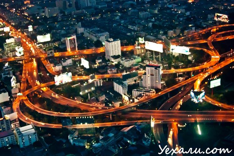 На фото: Вечерний Бангкок.