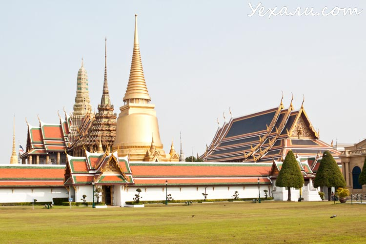 Что посмотреть в Бангкоке за 2 дня: Храм Изумрудного Будды