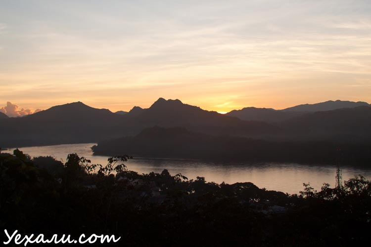 Достопримечательности Луанг Прабанга: фото с горы Пхуси