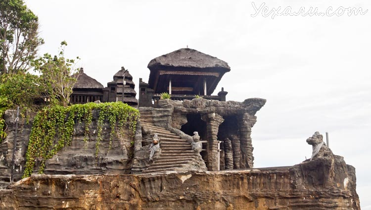 Храм Танах Лот на Бали, фото