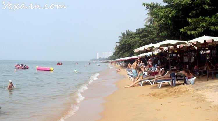 Как отдохнуть в Паттайе недорого: пляж Джомтьен