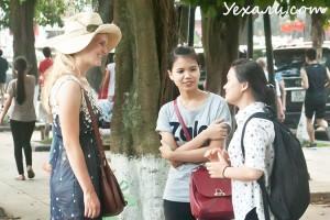 Туристы в Ханое