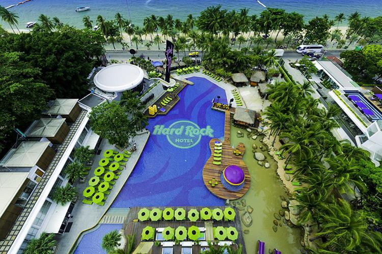 Лучшие отели центральной Паттайи у моря: Hard Rock Hotel Pattaya.