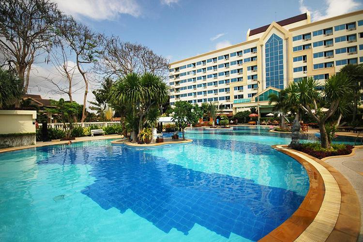 Лучшие отели пляжа Джомтьен на первой линии (Паттайя). На фото: Jomtien Garden Hotel & Resort.